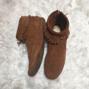 Minnetonka moccasin fringe zip ankle booties